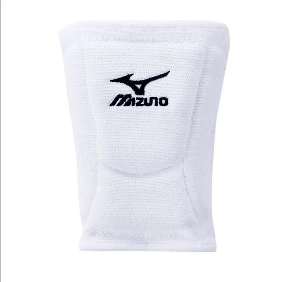 Mizuno Other - Mizuno LR6 Kneepads